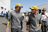 McLaren отказалась вмешиваться в борьбу Норриса с Сайнсом