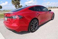 Watch Tesla Model S Plaid record lap at Laguna Seca