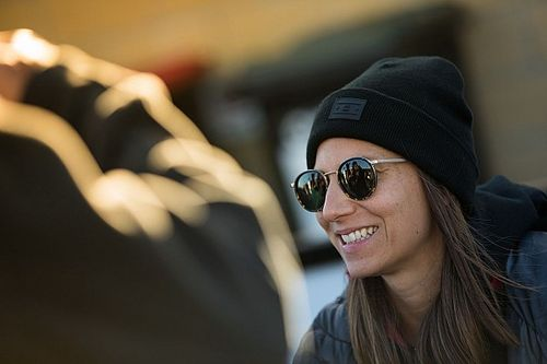 De Silvestro announces Supercars exit