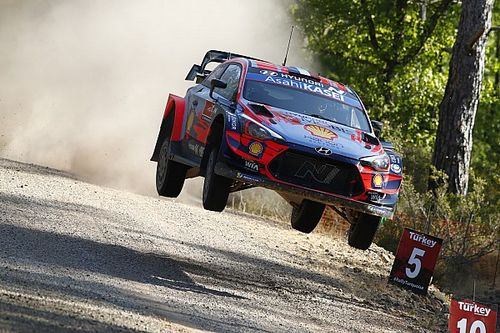 WRC, Rally Turchia, PS2: Ogier reagisce, ma Loeb va in testa!