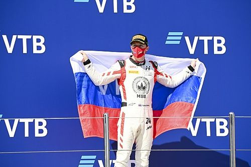 """F1: Mazepin lamenta críticas e """"ódio"""" a pilotos russos: """"a vida é assim"""""""