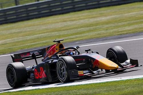 F2シルバーストン:レース1はマゼピンが初優勝。角田は抜群のタイヤ管理で3位表彰台
