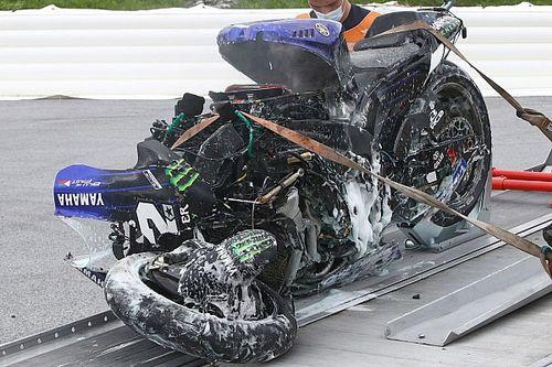 VIDEO: Viñales se lanza de la moto sin frenos en Estiria