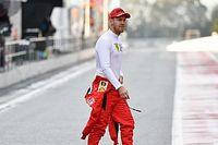 """Vettel : Rien d'autre que """"de vagues discussions"""" avec Racing Point"""