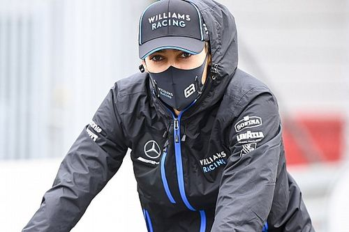 """Russell garante permanência apesar de rumores de Pérez: """"Estarei no grid com a Williams"""""""