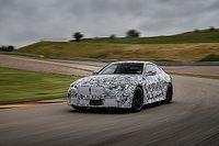 BMW M4 Coupe na torze wyścigowym