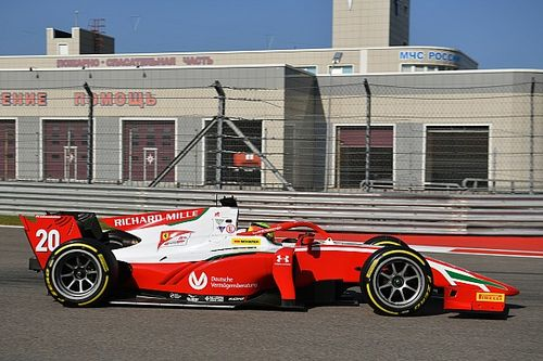 F2 Sochi: Schumacher rekent af met Tsunoda en wint hoofdrace