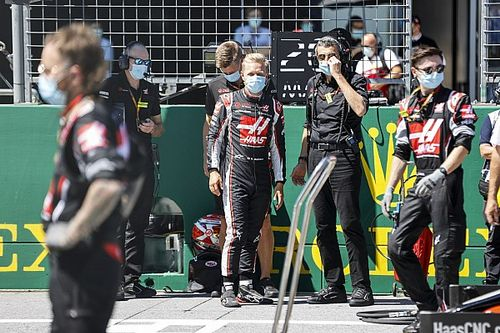 "Steiner: ""Elbette Vettel'i Haas'ta isteriz ama geleceğini sanmıyorum"""
