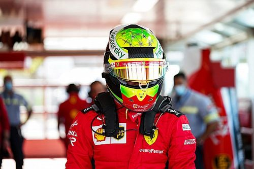Schumacher fia egy álom Ferrarit vitt pályára