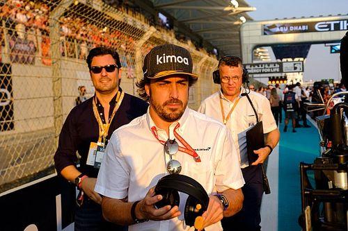 Alonso wyśmiewa plotki