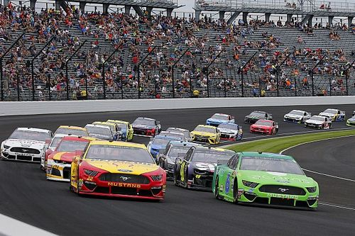 What time and channel is the Brickyard 400 today?
