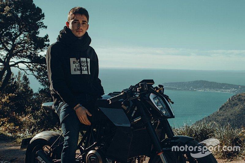Charles Leclerc en Moto