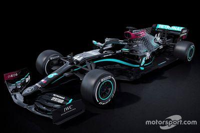 Decoración del Mercedes W11 en negro
