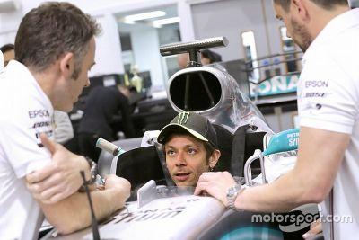 Preparação de Valentino Rossi na Mercedes