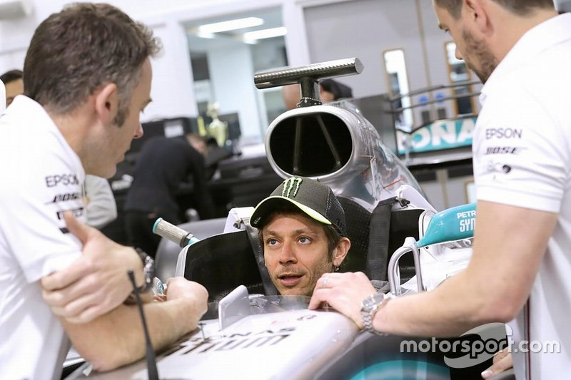 Preparazione del sedile della Mercedes
