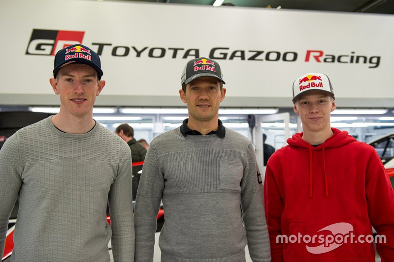 Anuncio pilotos Toyota Racing