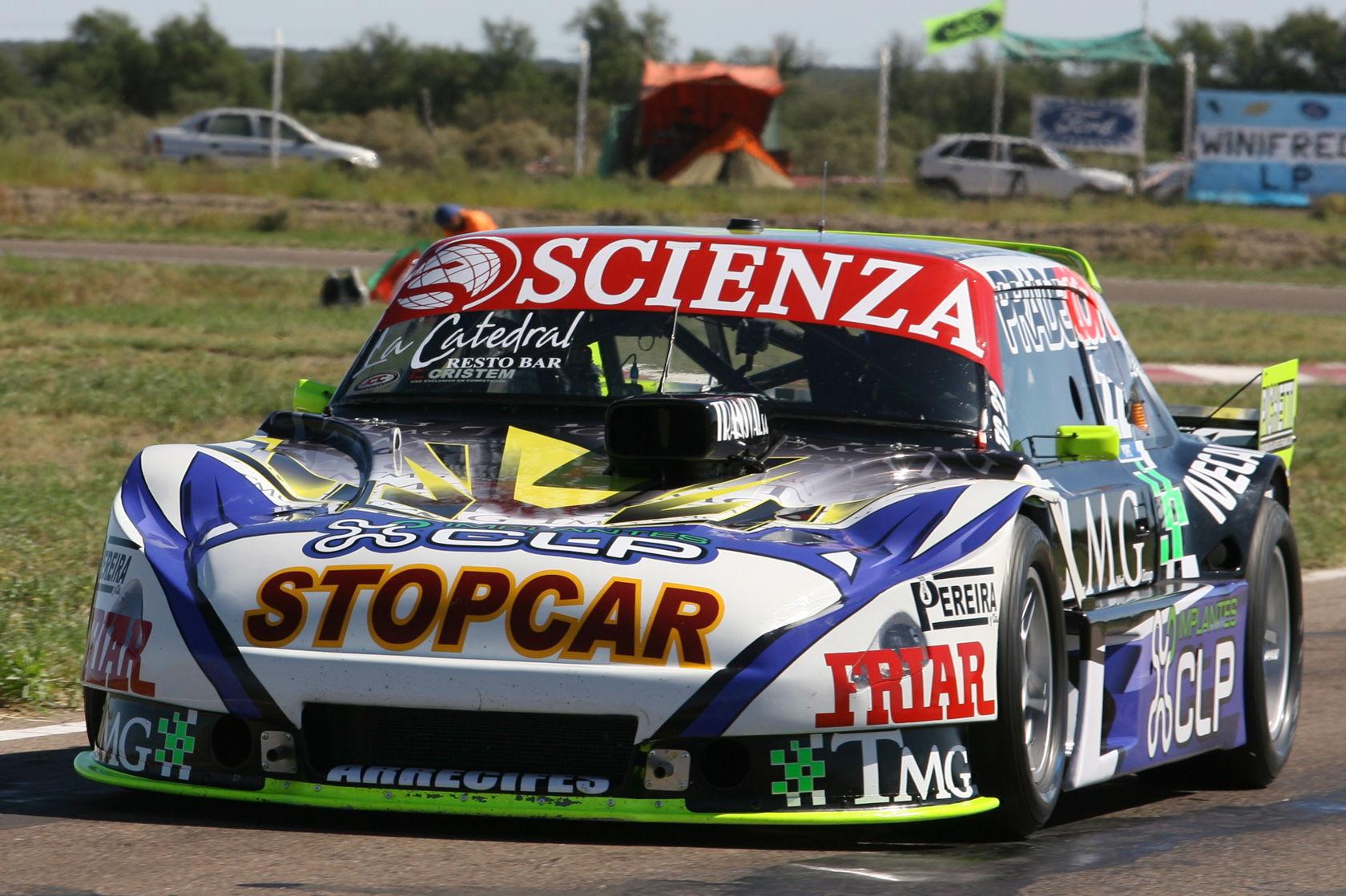 Самая уродливая гоночная машина и другие запоминающиеся фото недели
