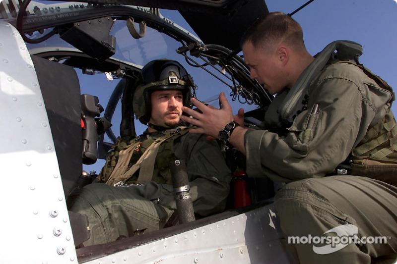 CHAMPCAR/CART: Patrick Carpentier visits the US Marines