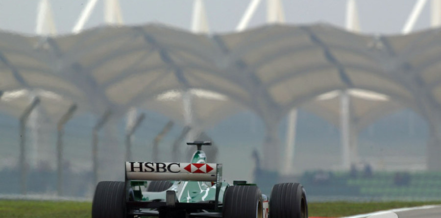 Sweltering 1st free practice in Malaysia