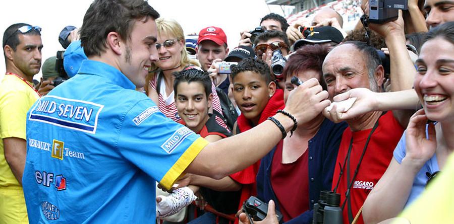 Stewart backs rising star Alonso