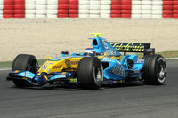 Barcelona test ends with Renault on top