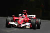 Schumacher tops last day at Barcelona