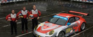 Le Mans Porsche wages battle in GT2