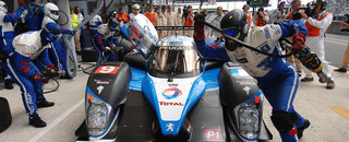 Le Mans Wurz takes lead after Peugeot's second stumble