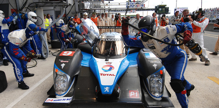 Wurz takes lead after Peugeot's second stumble