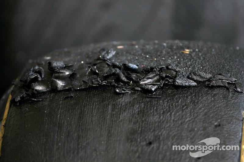 Vettel backs account of flying Pirelli 'bullets'