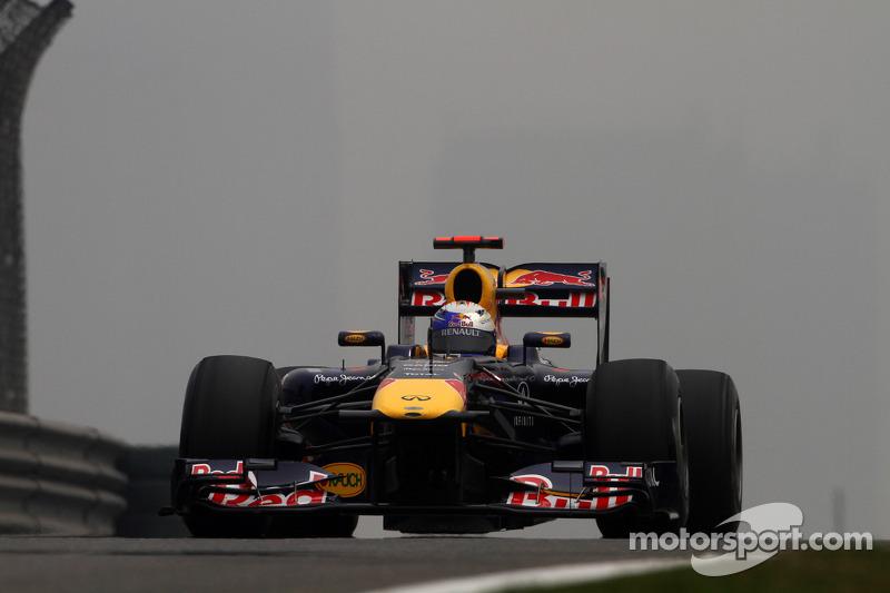 Vettel aims for pole despite strategy 'panic'