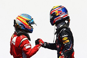 Formula 1 Alonso jokes as Webber wins FIA 'prize'