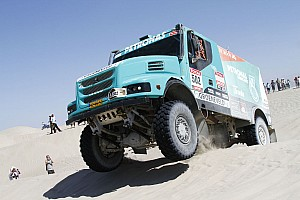 Dakar Peterhansel and de Rooy stand on top step for Car and Truck in Lima