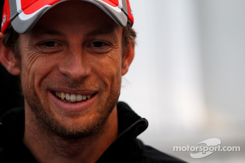 Button a favourite for Vettel's crown - Salo