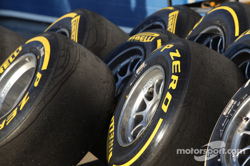 Pirelli names Alguersuari and di Grassi as test drivers