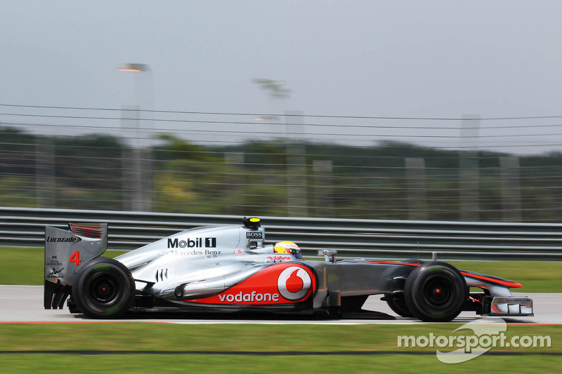 'Small' chance Hamilton to swerve grid penalty