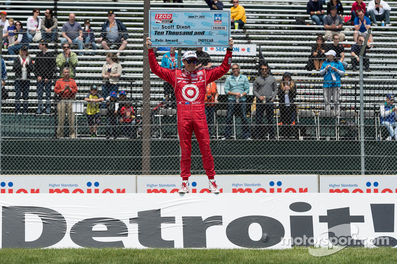 Scott Dixon snares his first pole of 2012