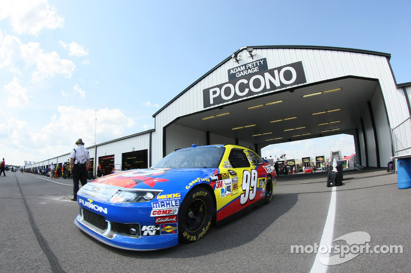 Edwards,Ford drivers on Pocono qualifying