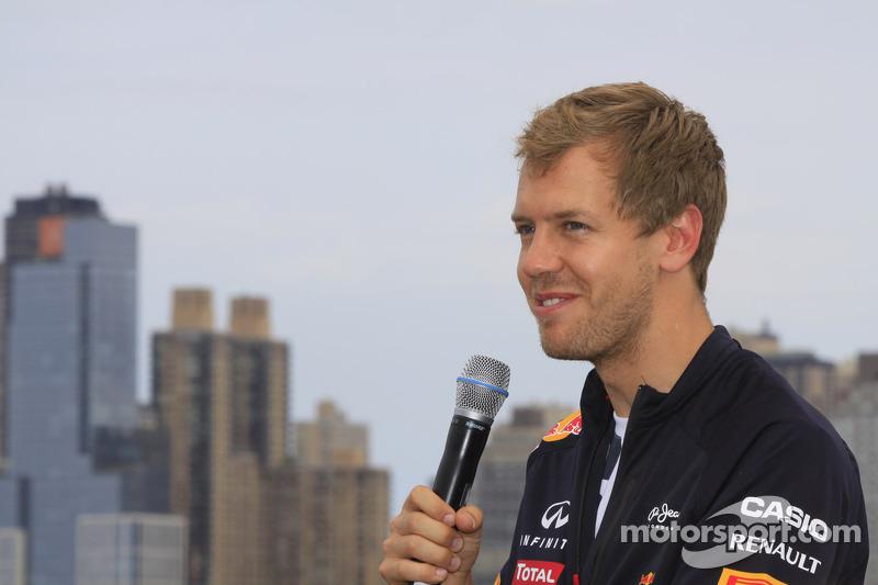 Domenicali fuels Vettel-to-Ferrari rumours