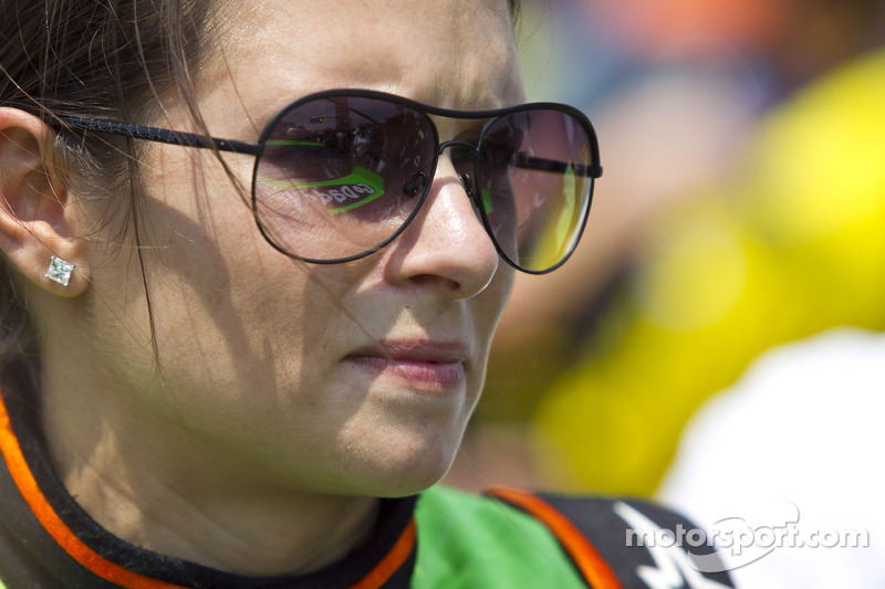 Danica Patrick's Indianapolis return ends early after hitting the wall