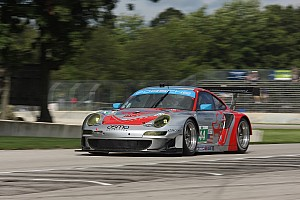 ALMS Qualifying report Holzer puts Lizards on the GT pole at Road America