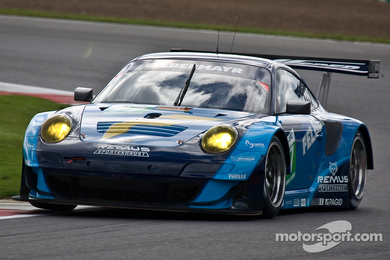 Lietz and Porsche take Silverstone LMGTE pole at the last second