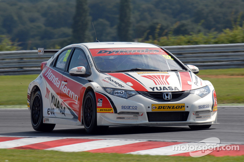 Collard leads home second eBay Motors 1-2 at Knockhill