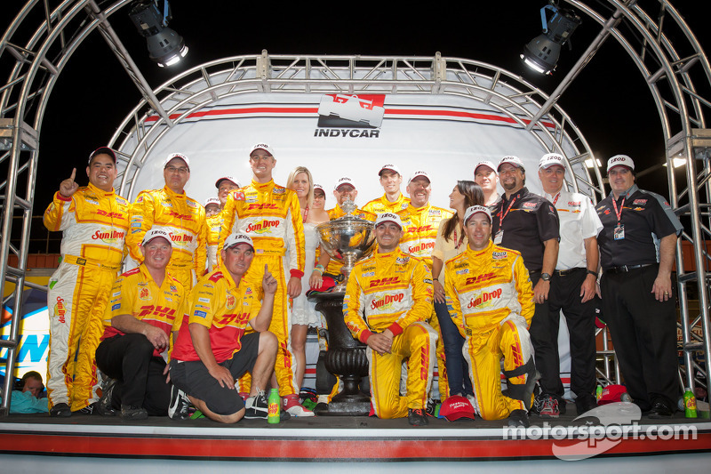 Hunter-Reay and Andretti Autosport celebrates 2012 championship