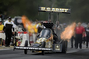 NHRA Qualifying report Tony Schumacher, Beckman lead DSR on Friday in Dallass