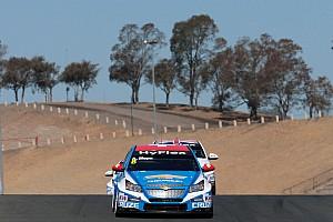 WTCC Qualifying report Menu takes sensational pole for Chevrolet at Sonoma