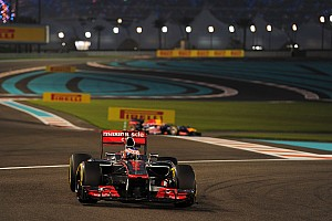 Formula 1 Race report Fuel pressure end Hamilton's chances, Button is 4th in Abu Dhabi