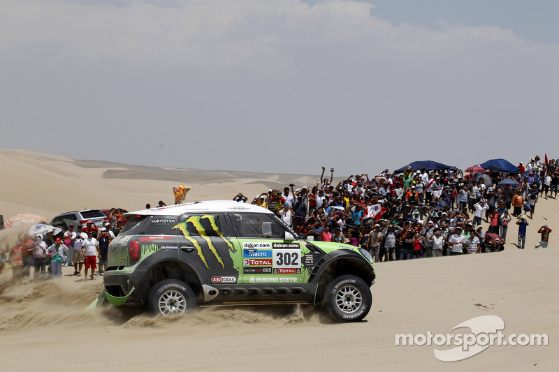 Monster Energy X-raid Team and Peterhansel earn stage 2 victory