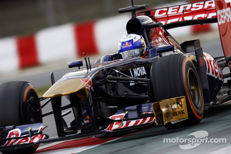 Toro Rosso had a full programme of testings at its first day in Barcelona track