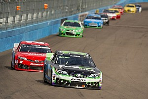 NASCAR Cup Breaking news Hamlin receives 25k fine for disparaging remarks made in Phoenix